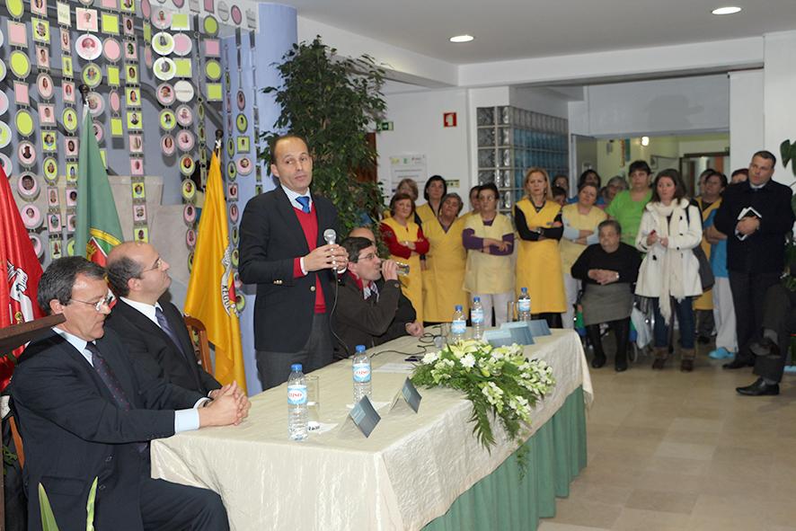 2014-02-19 ipss ministro2