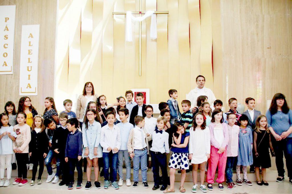 Crianças do 2º ano da catequese